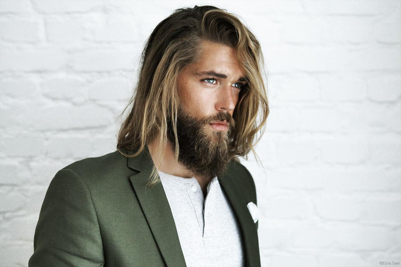 Jak przetrwać okres odrastania włosów?